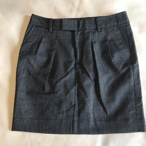 Gap black blue and white front pleated skirt